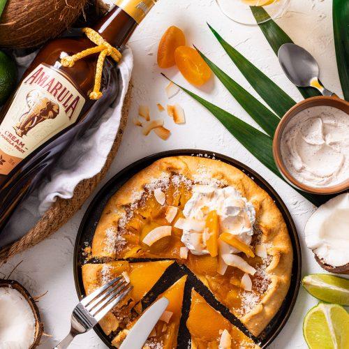 Amarula Aprikosen-Galette mit Vanille-Crème-fraîche